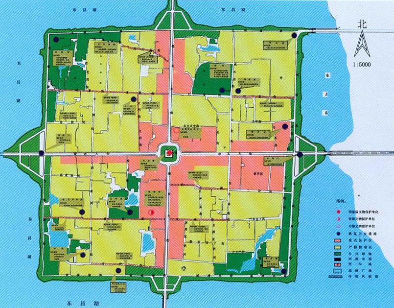 聊城市古城区控制性规划完成于1999年,获得山东省优秀设计二等奖和建设部优秀规划设计三等奖。并在2009年获得山东省庆祝建国60周年优秀规划设计成果奖。本规划合理细致的分析了古城区土地利用、人口分布、古建遗存等多项内容,本真对城市历史文脉高度负责的精神,有目的、有内容、有深度的确定了古城区土地承载能力,主要对外出入口位置,不同坊间地块的建筑密厚、容积率、建筑高度等。并对建筑形式、建筑色彩等指标做出了积极预测和探索。这对于现在进行的古城区保护性开发有着不可忽视的重要意义。  聊城市古城区控制规划  局部效果